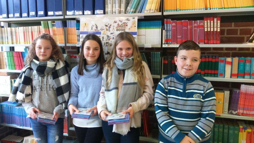 v.l.n.r. Die Vorleser nach dem Wettbewerb: Sarah Jergen, Anna Wörsdörfer, Lena Bremann, Pascal Haufe